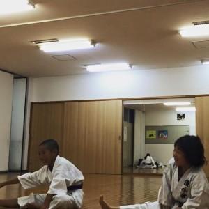 優水会空手道 桃山南支部 ストレッチ