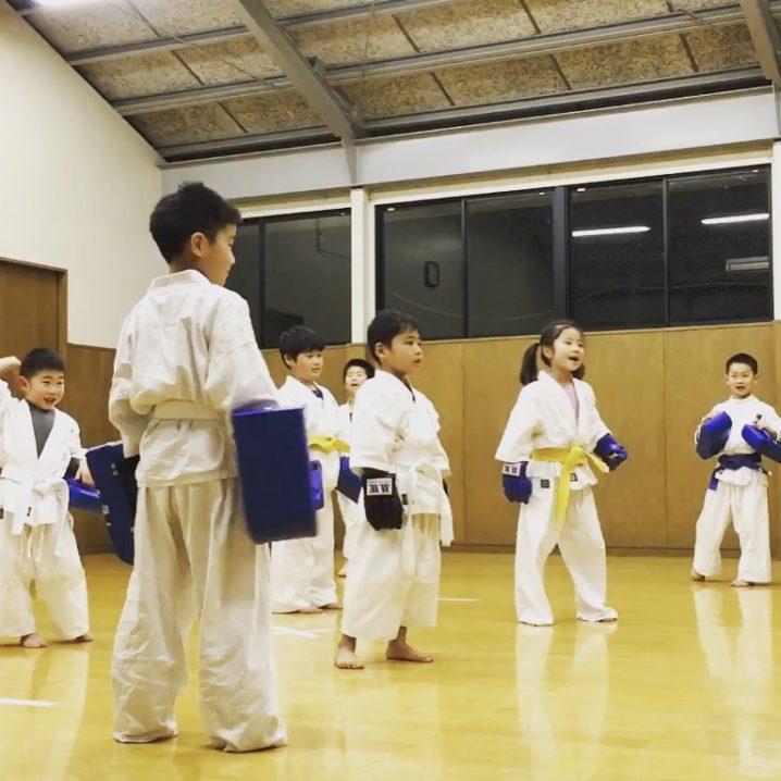 京都の教育、実戦空手 優水会 桃山支部 少年部 毎週水曜日18時30分