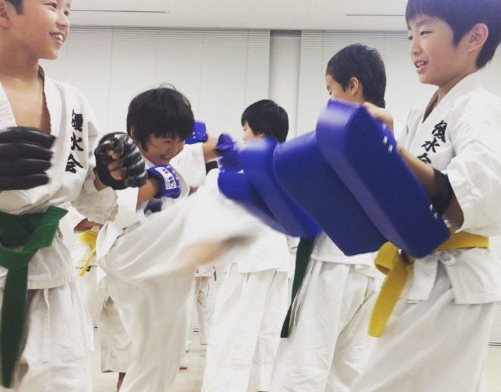 京都の教育、実戦空手 優水会  伏見市部 ミット練習